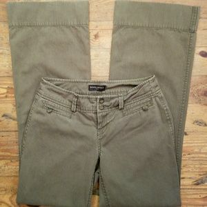 BANANA REPUBLIC Olive Green Khaki Cotton Pants
